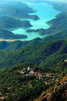 Rodavgi Arta and the Arachthos river Places Around The World, Oh The Places You'll Go, Beautiful World, Beautiful Places, Amazing Places, Myconos, Greek Isles, Greece Travel, Nature Photos