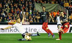 CUPLIKAN GOL Valencia 2-1 Athletic (agg 2-2) - http://hitsberita.com/video-cuplikan-gol-valencia-2-1-athletic-agg-2-2-9800.html