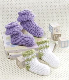 Loom knit baby booties. Cuteness overload!
