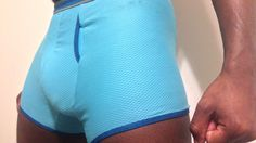 Super sporty and breathable Comox Trunks complete with fold-over elastic hems. Check out Mari's tutorial! Diy Clothing, Stretching, Don't Forget, Indie, Sewing Patterns, Trunks, Sporty, Check, Fabric