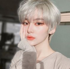 Pin on girl hairstyles Pin on girl hairstyles Korean Girl Ulzzang, Pelo Ulzzang, Ulzzang Hair, Short Hair Tomboy, Girl Short Hair, Short Girls, Short Hair Cuts, Tomboy Girl, Hairstyles Bangs