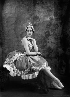 Emil Otto Hoppé :: Olga Spessivtseva as Aurora in 'The Sleeping Beauty', London, England, 1921 Theatre Costumes, Ballet Costumes, Dance Costumes, Vintage Ballerina, Ballerina Art, Dancer Photography, Circus Performers, Russian Ballet, Gibson Girl