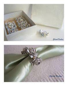 Porta guardanapos de mini flores de garrafa pet.  www.sherolvinhas.blogpot.com