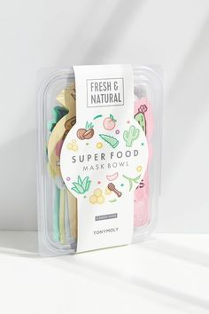Why not go all out and treat you skin to a buffet it won't forget? The superfood mask bowl has five sheet masks that'll pamper your skin, no matter what mood it's in. Face Mask Set, Face Skin Care, Sheet Mask, Best Face Products, Beauty Products, Skin Makeup, Beauty Care, K Beauty, Bowl Set