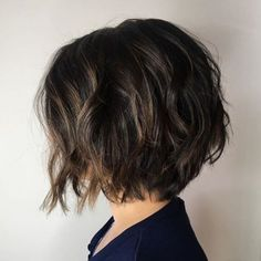 70 Fabulous Choppy Bob Hairstyles Short Bob with Choppy Layers T. Choppy Bob Hairstyles, Short Hairstyles For Thick Hair, Curly Hair Styles, Pixie Haircuts, Medium Hairstyles, Men Hairstyles, Short Thick Wavy Hair, Braided Hairstyles, Short Textured Bob