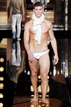 Dolce & Gabbana - Spring 2008 Menswear - Look 18 of 61