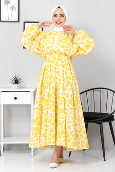 Hijab Style Dress, Dress Outfits, Fashion Outfits, Dresses, Turkish Clothing Online, Cardigans For Women, Coats For Women, Kimono Pattern, Turkish Fashion