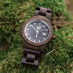 Drevené hodinky Brownies