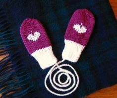 Instructions: Knit baby gloves without thumb - knitting - . Instructions: Knit baby gloves without thumb - knitting - STEP-BY-STEP INS. Baby Mittens, Knit Mittens, Knitted Gloves, Sweaters Knitted, Baby Sweaters, Baby Knitting Patterns, Crochet Patterns, Crochet Pullover Pattern, Moda Emo