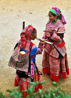 Hmong women . Vietnam