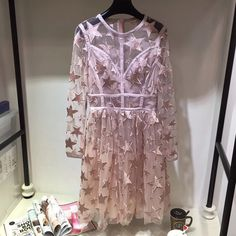 Encontrar Más Vestidos Información acerca de Vestido nuevo 2017 De Verano de Las Mujeres de Manga Larga Bordado Estrella de Vestir Top Brand Vestidos Rosa, alta calidad embroidery dress, China new dress Proveedores, barato brand dress de 10 stars Store en Aliexpress.com