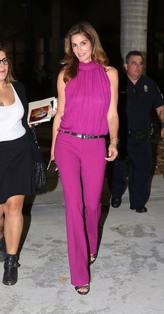 Cindy Crawford, shows off her svelte shape in vivid pink outfit : Bold: The wore a fuchsia blouse and flared trousers with a silver belt and matching heels Pink Outfits, Classy Outfits, Chic Outfits, Summer Outfits, Cindy Crawford, Mode Hijab, Chic Dress, Look Fashion, Ideias Fashion
