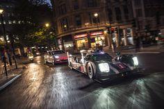 Mark Webber drives the Porsche 919 Hybrid through the streets of London