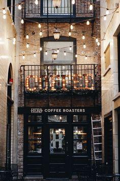 Chicago coffee shops, coffee shop aesthetic, city aesthetic, cafe design, i Coffee Shop Aesthetic, City Aesthetic, Design Food, Cafe Design, Truck Design, Interior Design, Resto Vegan, Chicago Coffee Shops, Coffee Shop New York