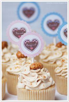 Dreierlei Liebelei ist ein Inspirations-, Food- und Liefstyle-Blog. Hier dreht es sich hauptsächlich um gutes Essen, Reisen, ein schönes Zuhause und meinen Job als selbstständige Bloggerin und Fotografin. Tiramisu Dessert, Cupcake Torte, Cupcake Toppers, Barbecue Party, Oktoberfest Party, Muffin Cups, Yummy Cupcakes, Mini Cakes, Cup Cakes