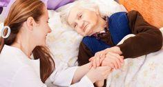 Für die Angehörigen von Krebspatienten kann Helfen auch eine große Belastung sein und viel Kraft kosten. Oft denken sie nur noch an den anderen, vergessen darüber sich selbst und ihre eigenen Bedürfnisse.