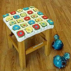 """crochet.istanbul - """"Bugun paylaşım yapmadın seni aramaya çıkacaklar"""" diyen  evlat..(tabure no 2)..taburenin ingilizcesi neydi şu ecnebilere çevirsek#crochet #crochetgeek #crochetlove #crochetaddict#craftastherapy #crochetmandala #iloveknitting #trapillo #handgjord #virkkaus #knitstagram #knittersofinstagram #crochetersofinstagram #ganchillo #uncinetto #virka #hekle #tejer #käsityö #handmadewithlove #feitoamao #tejido #garn #strik #lanas #crochetconcupiscence #örgümüseviyorum #crossstitch…"""