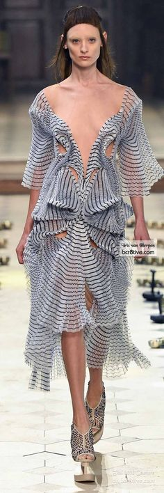 Iris van Herpen - The Best Fall 2016 Haute Couture Fashion