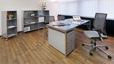 Glasschreibtisch Tisch Schreibtisch mit Rundrohr Tischbeinen und Chromgestell Tischplatten Bueromoebel Metall Oberflächen in verschiedenen Größen und Farben