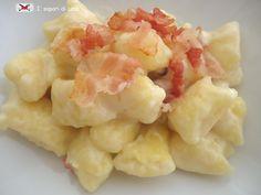 Gnocchi di polenta con fonduta di formaggio e pancetta croccante