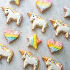 Etsy の Rainbow Unicorn Sugar Cookies 1 Dozen by MerciBakery