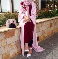 #simple#outfit#lovely#elegant#abaya#chic#hijabstyle#pink#muslimah#lifestyle#cute#awsome#sweet#summer#look#hijabfashion#styling#hijab#everyday#cool#instalike#instafollow#hijabness19#beauty#forever @hijabness19 ========>>by @saris_hh / abaya from @feradje