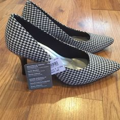 Payless Houndstooth new in box heels size 7.5W NWT Brand new with tags heels Payless shoes Shoes Heels