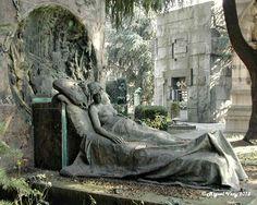 «Escultura» Escultor: Enrico Butti - Cementerio Monumental (Cimiterio Monumentale) - Piazzale Cimitero Monumentale - Milán - Italia