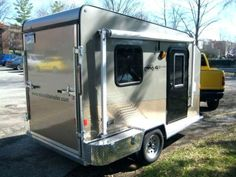 Camper allows you to have fun on the road and out on the water. Tear campers are truly beautiful. Camping is an opportunity to embrace different life methods, so instead of lamenting the things you… Toy Hauler Trailers, Toy Hauler Camper, Tiny Trailers, Small Trailer, Camper Trailers, Travel Trailers, Work Trailer, Trailer Plans, Custom Trailers