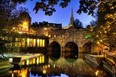 Pulteney Bridge, bathe england. was here too! i have a shot of this bridge! it was so pretty!
