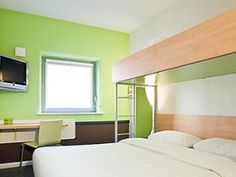 ibis budget Mannheim Friedrichsfeld ex Etap Hotel: Situated within a 20 minute stroll from Mannheim-Friedrichsfeld Station, the ibis budget Mannheim Friedrichsfeld ex Etap Hotel provides guests with an ideal base while in Mannheim.  http://www.mannheim-hotel.com/ibis-budget-mannheim-friedrichsfeld-ex-etap-hotel/