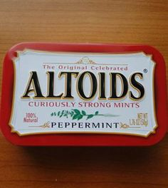 Altoid Tin Survival Kit DIY-Fill your Altoid tin with these tiny survival tools to stay prepared no matter how little space you have!
