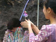 先々週の終わりに嬬恋村に行った時 なにやらキラキラ光るもので遊んでいる人たち...