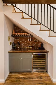 25 Unfinished Basement Ideas – There is SO MUCH You Can Do! If you too have an unfinished basement in your home, here's how you can provide it a more tasteful look. Basements are like extra rooms! Basement Makeover, Basement Renovations, Home Remodeling, Basement Ideas, Basement Office, Under Basement Stairs, Basement Kitchenette, Basement Apartment, Basement Plans
