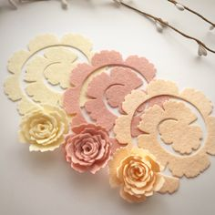 Sandy paradise large royal roses flower packsYou will receive 4 of each colour total of 12 flowers in each pack. Flower colours include StrawBlush Blushing bride Large royal flower measu...