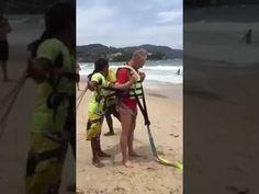 Hati-hati ..Turis terjatuh ketika bermain parasailing di Thailand - YouTube