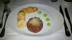 Tartar of organic beef with toast and butter @ Restaurant loca. better eat better.