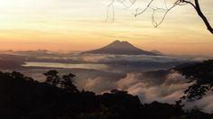 Un amanecer y en la lejania el imponente volcan chinchontepec....?... A A