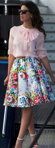 Pink Bow Blouse On Floral Skirt Silvia Navarro New Collection Mode Outfits, Office Outfits, Casual Outfits, Fashion Outfits, Womens Fashion, Cheap Fashion, Ladies Fashion, Fashion 2017, Skirt Fashion