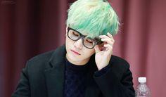 Green hair Suga 10/12