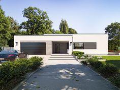 DOM.PL™ - Projekt domu TP Artus 2 CE - DOM TP2-17 - gotowy koszt budowy Modern Small House Design, Simple House Design, Minimalist House Design, Cool House Designs, Single Storey House Plans, One Storey House, Bungalow Haus Design, Modern Bungalow House, Modern House Facades