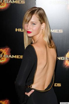 Jennifer Lawrence in Tom Ford at the Hunger Games premiere. Gorgeous red lips.