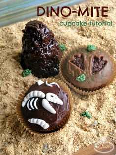 Have a roarin' good time with these dinosaur cupcake toppers for your next prehistoric expedition!