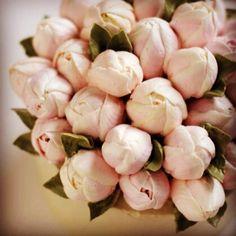 #ollicake #buttercream #flowercake #tulip #blossom #bouquet