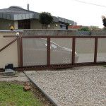 Posuvná brána: svojpomocný postup vyhotovenia - buboFIX Garage Doors, Shed, Outdoor Structures, Outdoor Decor, Home Decor, Lean To Shed, Room Decor, Coops, Home Interior Design