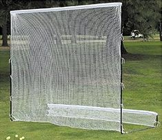 Providing a large hitting area this golf hitting and driving practice net with frame by AGXGOLF is easy to set up and can be used for other sports
