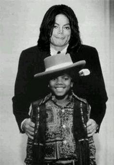 #MichaelJackson Michael/Michael