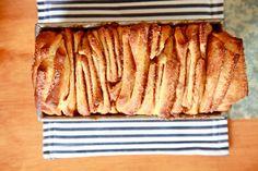 mmmmm. cinnamon sugar pull-apart bread.