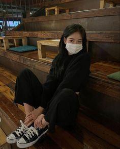 Aesthetic Couple, Korean Aesthetic, Aesthetic Girl, Korean Girl Fashion, Ulzzang Fashion, Korean Street Fashion, Kendalll Jenner, Pretty Korean Girls, Ulzzang Korean Girl