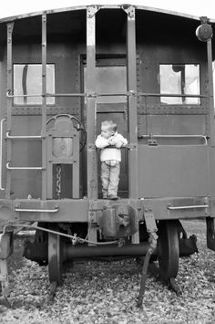 love for trains...a dream of mine when I was young....was to jump a train and see where I arrived.